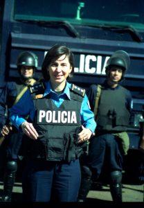 Noviembre de 2001, cuando Granera era jefa de la Policía de Managua. Los analistas destacan su gran habilidad para el manejo de su imagen, algo que la ha caracterizado a lo largo de casi toda su carrera policial, siempre apareciendo ante las cámaras en el momento preciso.