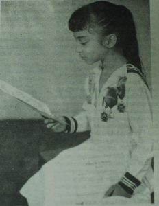 1962. Aminta a los 11 años de edad, tras recibir el diploma de Mejor Alumna de La Asunción.