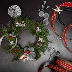 making Christmas wreath