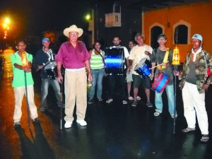 """El Atabal de """"El Cabo"""" siempre se las ha arreglado para salir, a pesar de la lluvia, las enfermedades o la falta de patrocinio."""