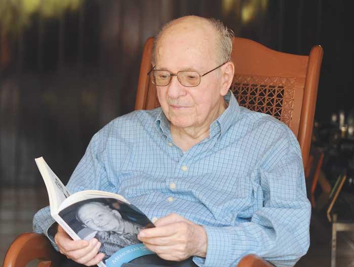 César Amador Kühl