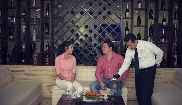 Restaurante Legend, hotel Los Farallones, Chinandega